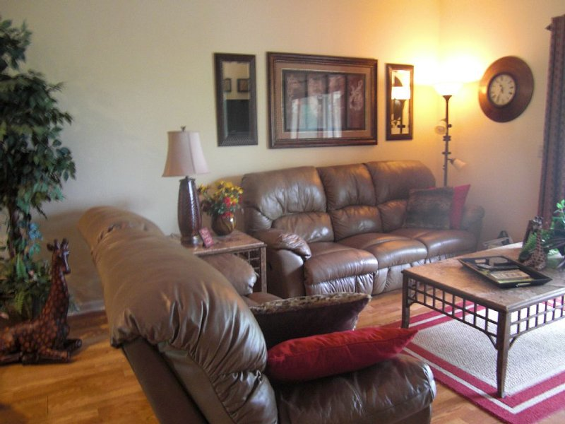 'A Step Above the Rest' Condo in the Heart of Branson, vacation rental in Branson