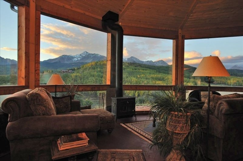 Alpenglow Ranch, Telluride: 2 BR/Panoramic Views/12 Acres/Pond, casa vacanza a Placerville