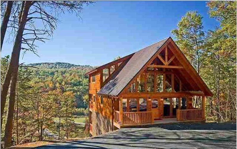 5 Star Lux Cabin, April $189 ngt NO FIRE DAMAGE 3 King Suites, Mt views,Theater, casa vacanza a Sevierville