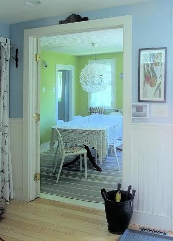Welcome to The Perch!  An artistic cottage that is walking distance to to town!