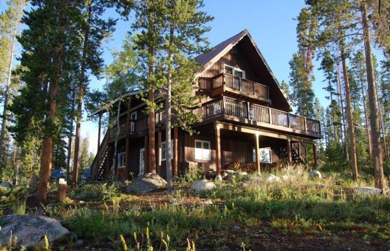 Tremendous Lake & Mountain Views, Minutes from Village & Rmnp, holiday rental in Grand Lake