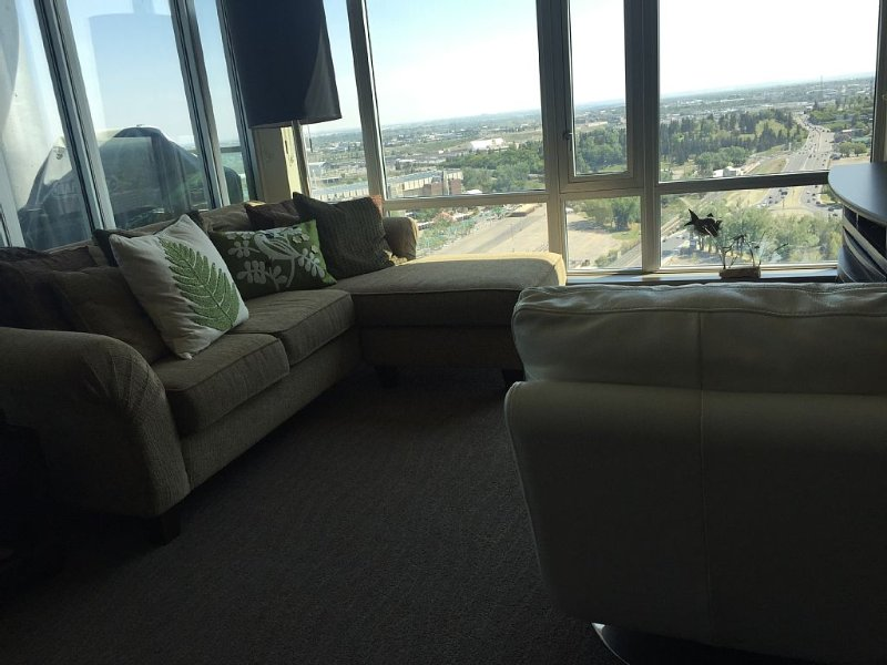 Jaw dropping views from the 26th floor, holiday rental in Calgary