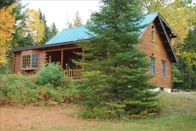 Beautiful Cabin Near Skiing, Hiking, Golf, holiday rental in Bethel