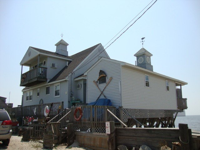 Incredible Two Story Home on Delaware Bay, Ferienwohnung in Middle Township