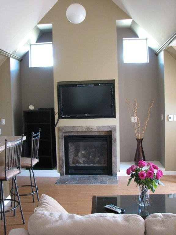 Gas fireplace as well as flat screen with Satellite TV and WIFI.