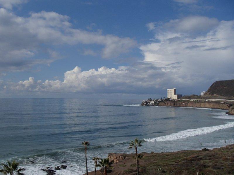 Top Floor Ocean Front Penthouse Suite, aluguéis de temporada em Baja California Norte