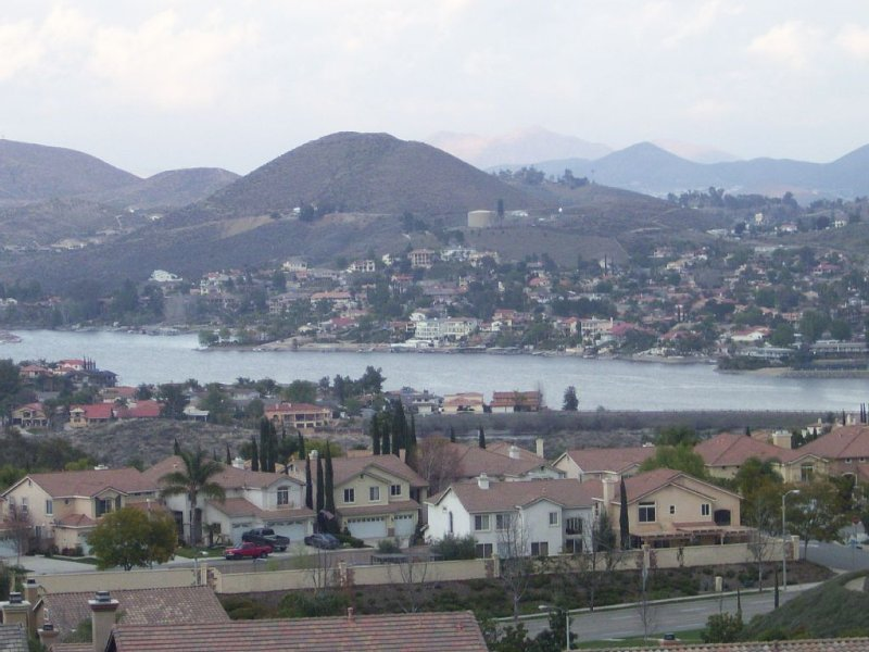 Beautiful Home With A View. Close To All The Socal Attractions, holiday rental in Lake Elsinore