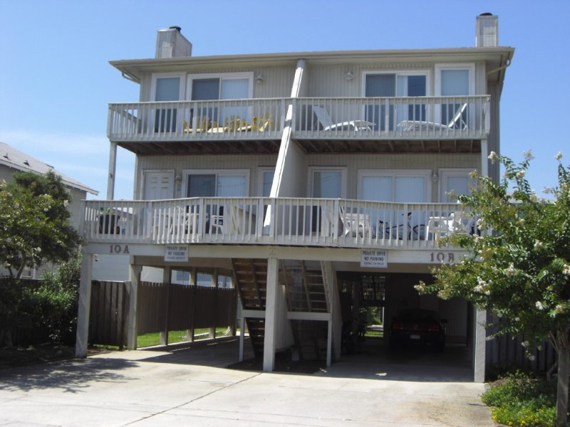 Between the Shores--Just a few steps away from ocean or sound, holiday rental in Wrightsville Beach