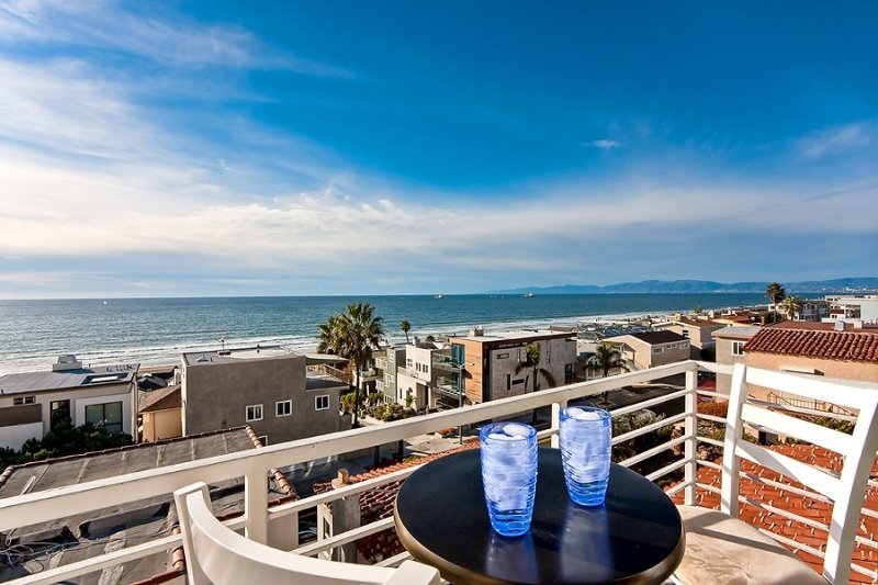 Beautiful Views - Sand Section of Manhattan Beach 2 Bed/2 Bath, location de vacances à El Segundo