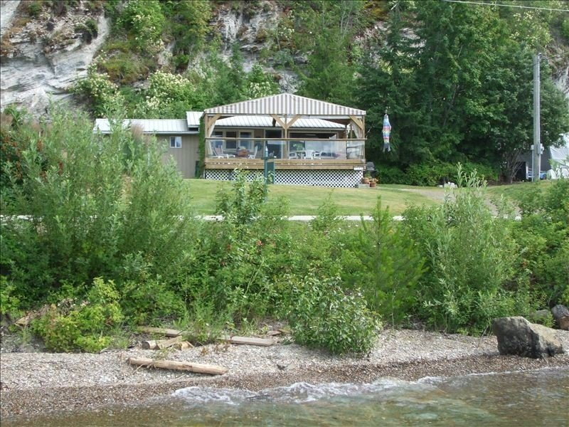 Semi-Waterfront Cottage, West View, Wharf,  Buoy, Pet Friendly, holiday rental in Celista