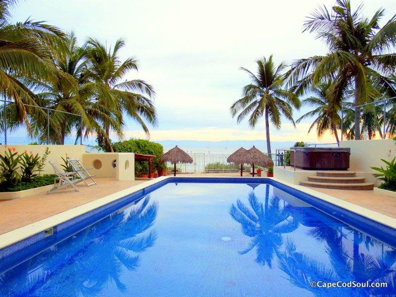 Punta Mita Beautiful Beach Front Condo. Great Rates!, vacation rental in Punta de Mita