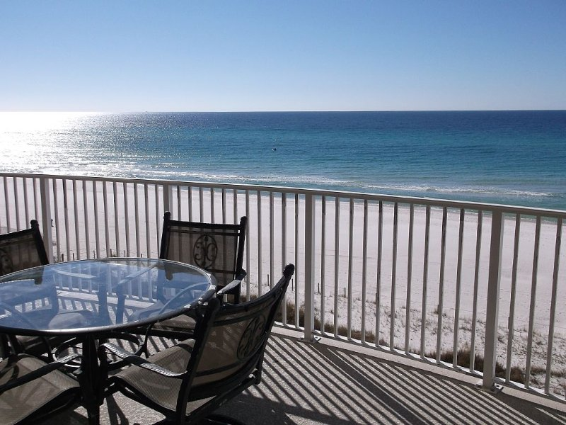 Come Relax And Enjoy A Beachfront Condo On The White Sandy Shores On The Gulf!, alquiler de vacaciones en Panama City Beach