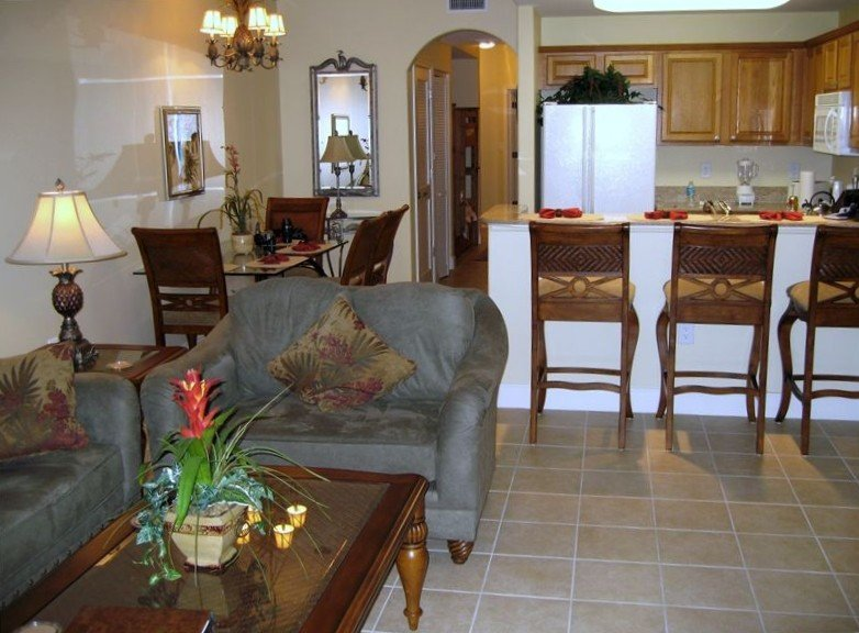 Luxury Lakefront 1BR/2BA Condominium - 1 Mile from Disney, holiday rental in Old Town