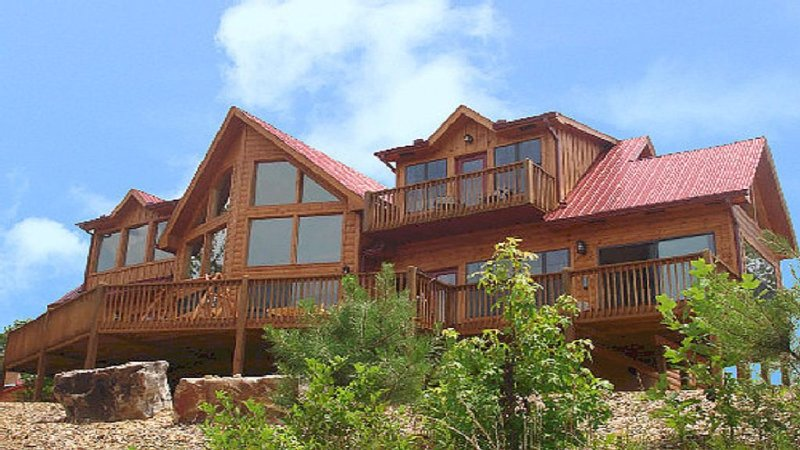 Antler Peak A Luxury Vacation Cabin-10 Min From Helen, GA!, casa vacanza a Sautee Nacoochee