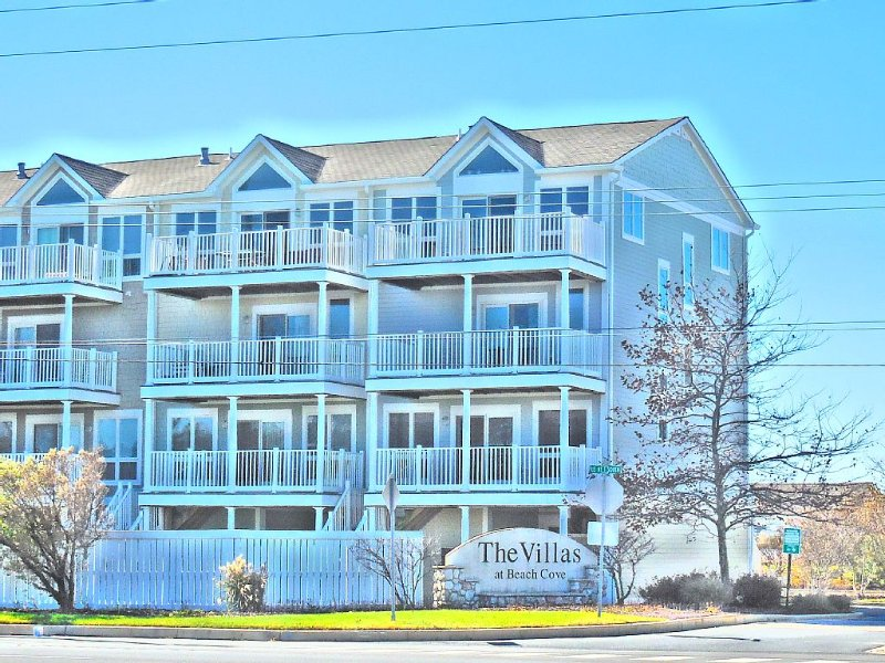 Discover your own 'Shangrila at the Shore'!  Steps to the Ocean and Bay!  VIEWS!, vacation rental in Bethany Beach