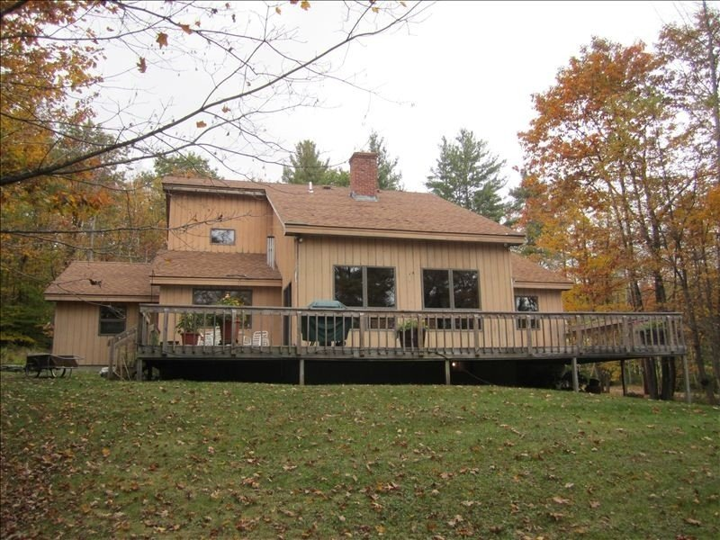 Spacious, Secluded 3 Bedroom House 5 Minutes from Okemo, location de vacances à Proctorsville
