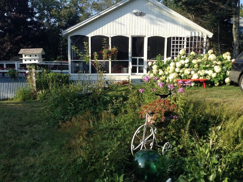 Pemaquid Point Cottage Near Lighthouse,Two Bedrooms Ocean View, holiday rental in Bristol