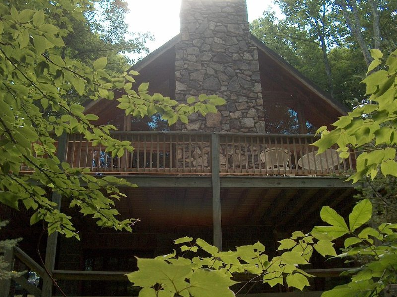 Mountain Retreat, The Tulip House, in Wolf Laurel Resort, holiday rental in Flag Pond