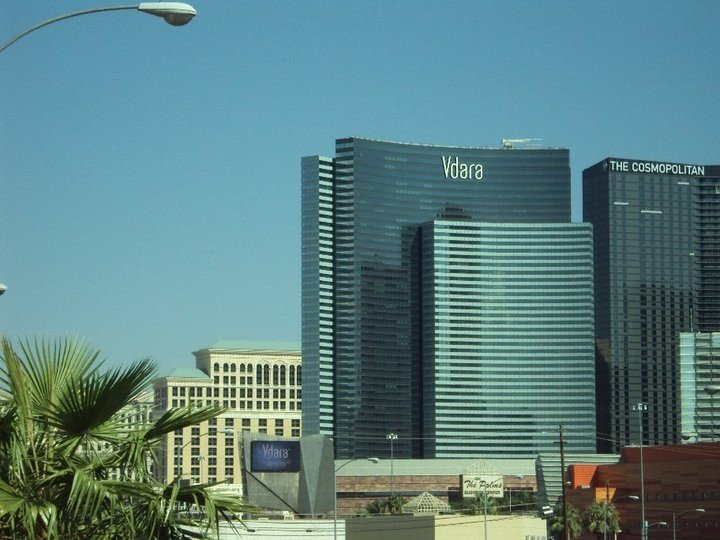 Vdara Hotel -Junior Luxury Suite on the Strip - 20% to 50% Off, aluguéis de temporada em Las Vegas