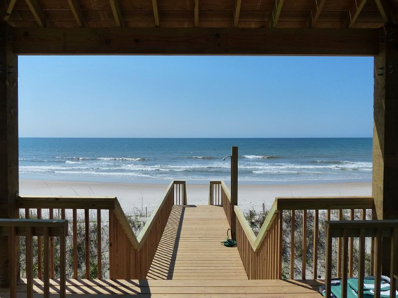 New 2014 Ocean Front Home With Extraordinary Panoramic Views, vacation rental in Sneads Ferry