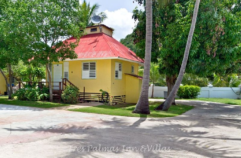 Beachside Lovely Cottage On Over 4 Acres Of Marine Reserve Land, location de vacances à Rincon