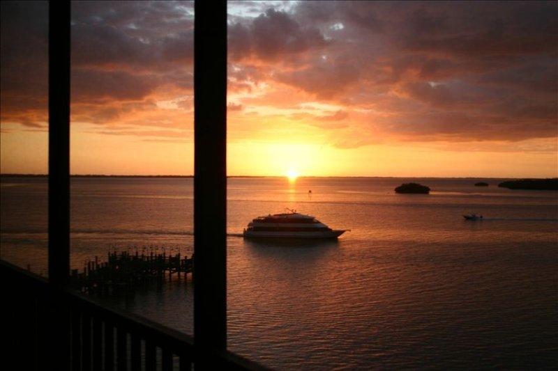 Condo is Sanitized Ready for Bookings - Clorex Wips-Hand Sanitizer - Great Rates, aluguéis de temporada em Sanibel Island