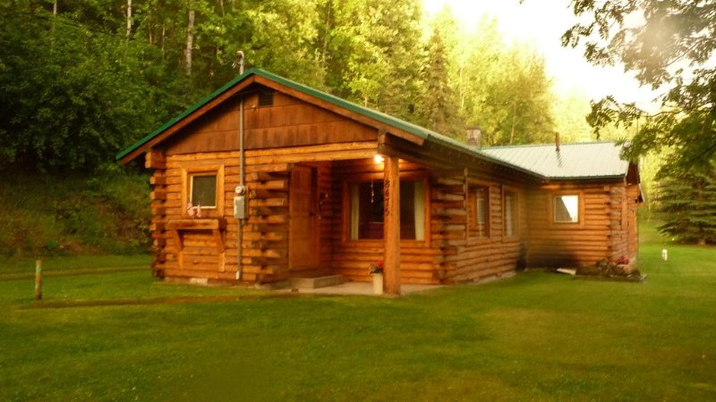 SUMMER SPECIAL - 30% OFF - Alaskan Cabin Featured on Discovery & History Channel, holiday rental in Anchorage