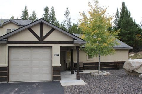 Quiet Wooded Condo Retreat, vacation rental in McCall