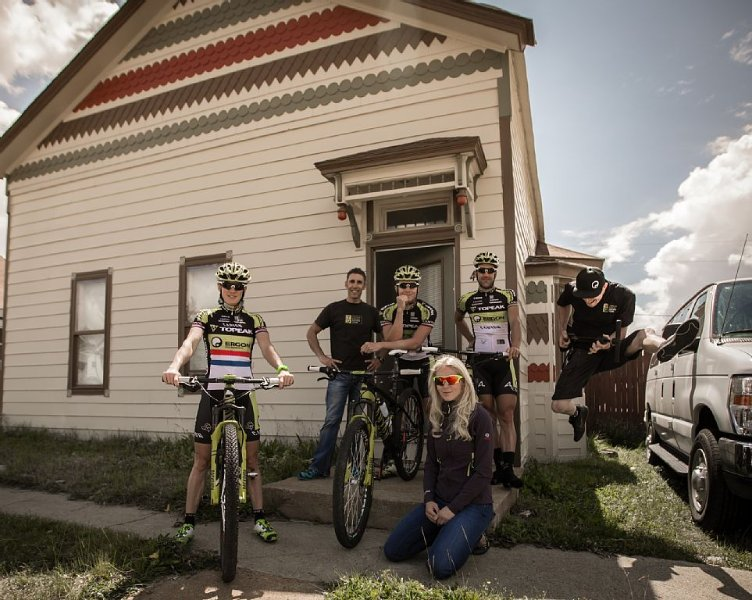 RACE READY! Lovely Large Home in Downtown Leadville! Plan Reunion, Ski,Hike,Bike, vacation rental in Leadville