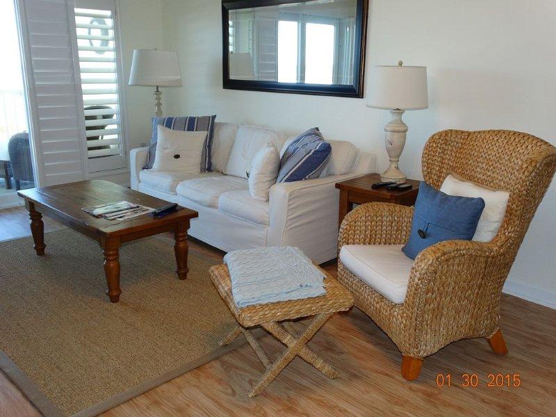 Port Aransas Beachfront Condo. Family Friendly Or Romantic Getaway., vacation rental in Port Aransas
