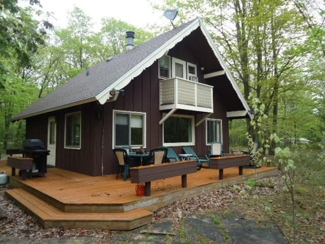 Gingerbread Cottage - Forest Setting - Available Winter Too!, casa vacanza a Fish Creek