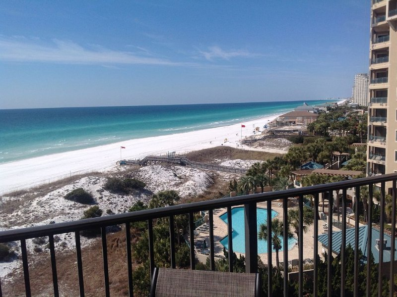 "Sandestin ""Beachside 1 "" Golf and Beach Resort !!!!, holiday rental in Destin"