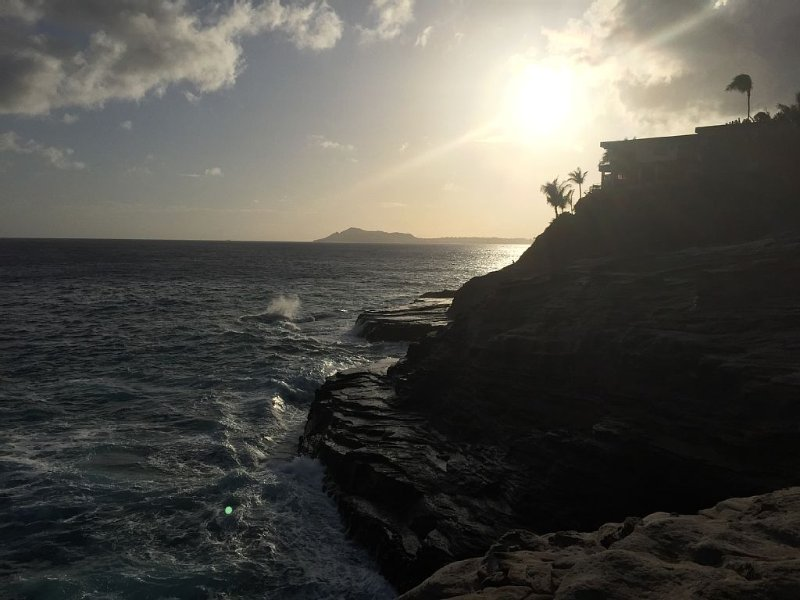 Sunset on the cliffs of Portlock