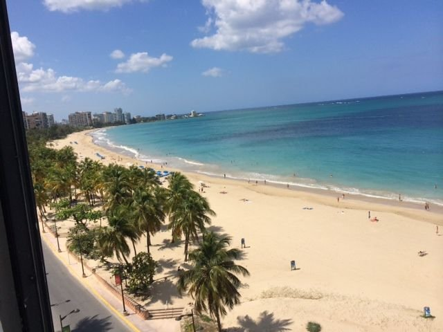 Spectacular Beach Front Condo in the Heart of Isla Verde! #1, vacation rental in Carolina