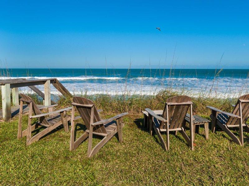 Private Ocean Front Cottage Paradise Found Florida Melbourne Beach Dog Friendly, casa vacanza a Melbourne Beach