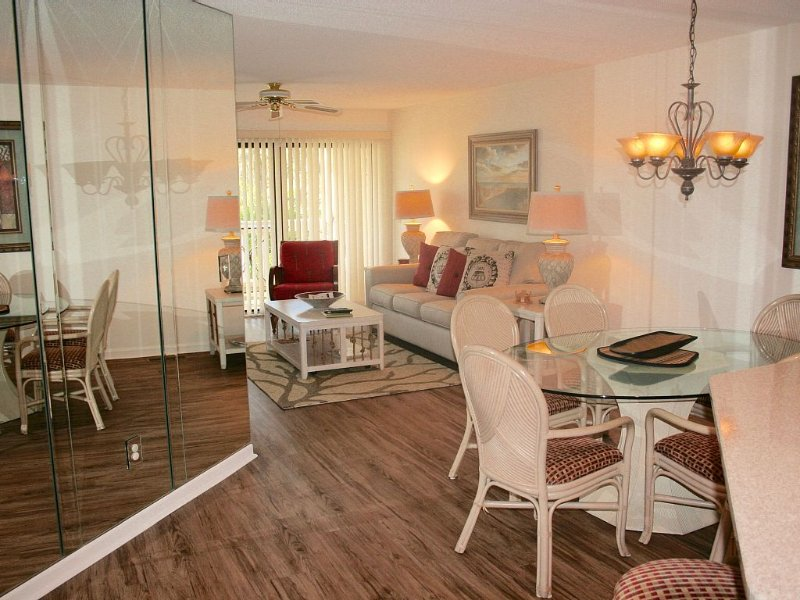 Enjoy the Warmth!!  Reserve Today, holiday rental in Hilton Head