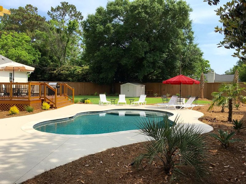 Newly Renovated Family Home w Private Backyard!!, holiday rental in Sullivan's Island