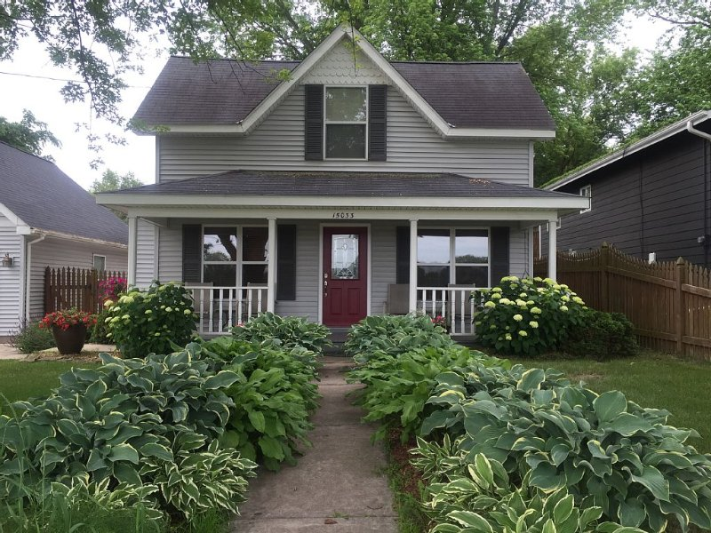 Historic Downtown Stillwater Within Walking Distance From This South Hill Home, vacation rental in Stillwater