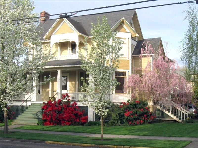 Distinctive Accommodations in Historic McMinnville, alquiler vacacional en Sheridan