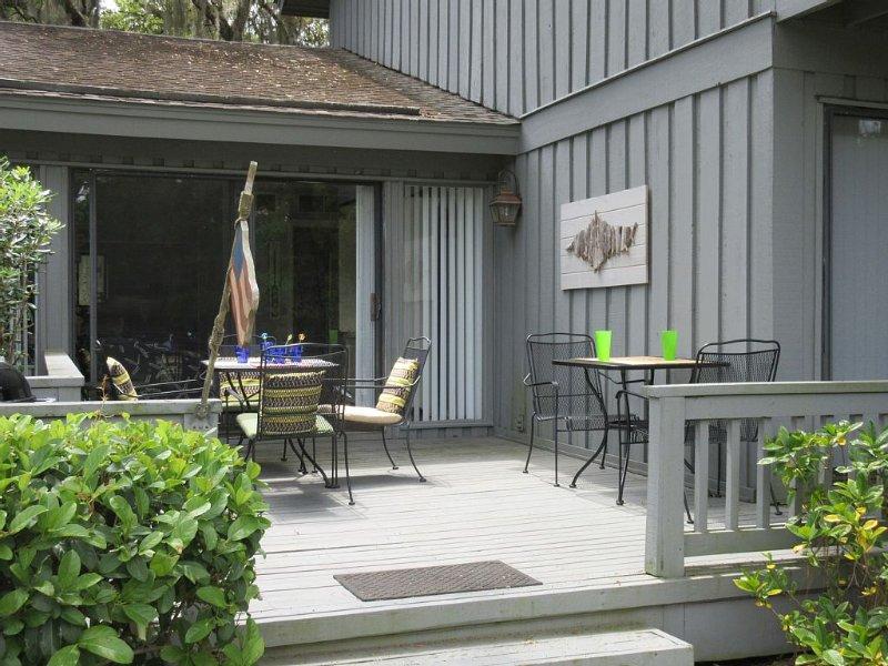 Ocean Oriented Villa with a Beautiful Golf Course View!!, location de vacances à Bluffton