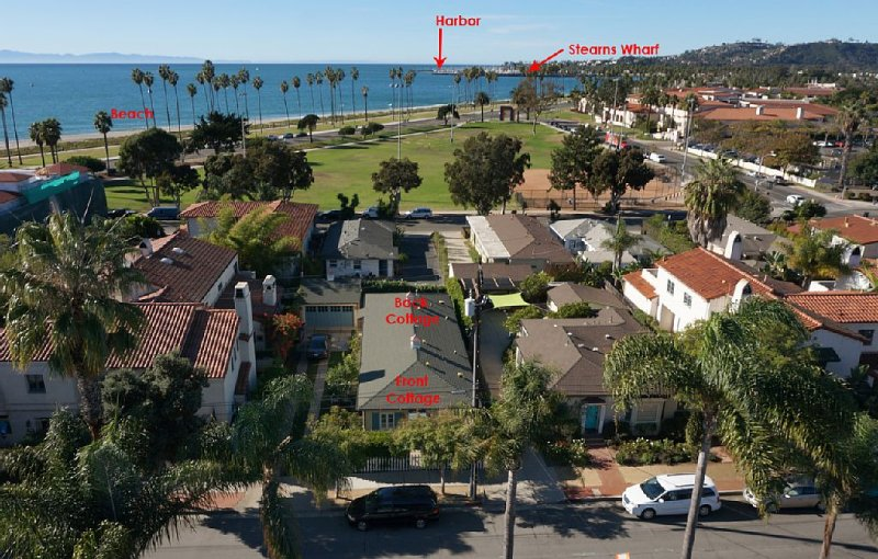 Steps to the Sand:with beach views and a private fenced yard; Great for families – semesterbostad i Santa Barbara