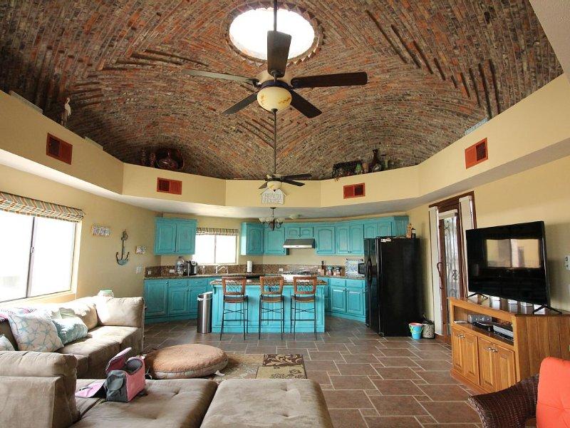 Best Beach House On Sandy Beach, vacation rental in Puerto Penasco