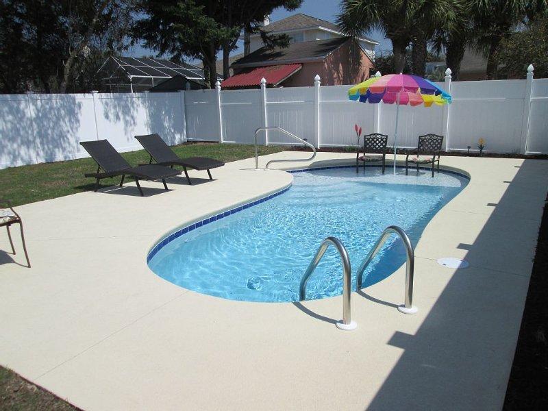 Don't Worry Be Happy! *Private Pool, *Golf Cart, *Pet Friendly, location de vacances à Ebro