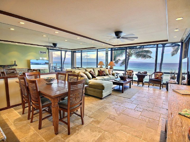 Ocean Front - 5 Star Ratings - Best Ocean Views in Maui-  Reduced Rates NOW!, vacation rental in Lahaina