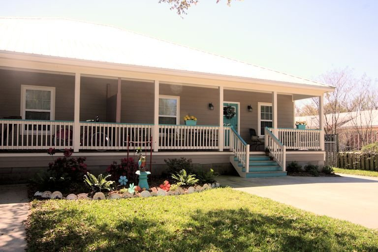 Comfortable, Spacious & Great Location !, casa vacanza a Bay Saint Louis