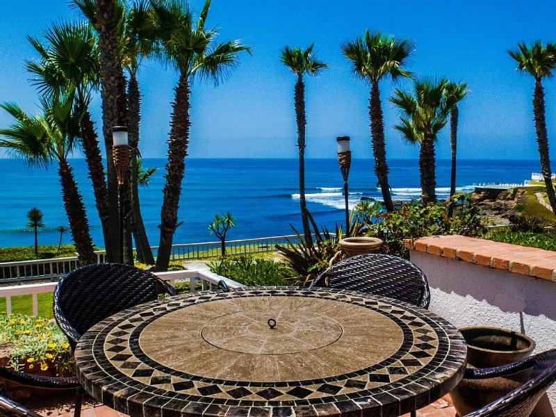 K38 Club Marena 2 Story Villa, Ultimate Beach Pad, and Can Check Surf from Bed.., alquiler de vacaciones en Rosarito