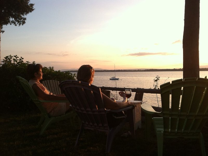 A Perfect Lake Front Vacation Spot In Beautiful Grand Isle, Vermont, holiday rental in South Hero