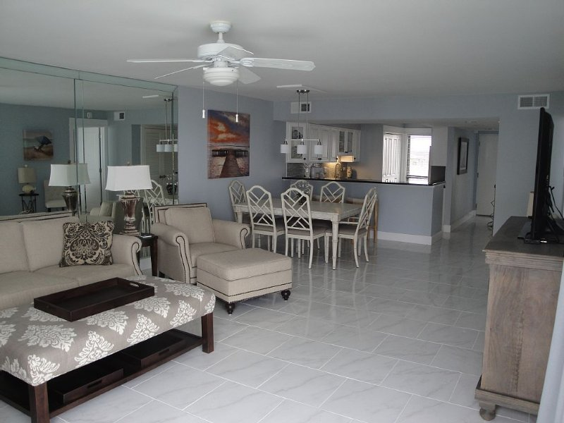 Best Beach Condo! Totally Renovated 2016, vacation rental in Miramar Beach