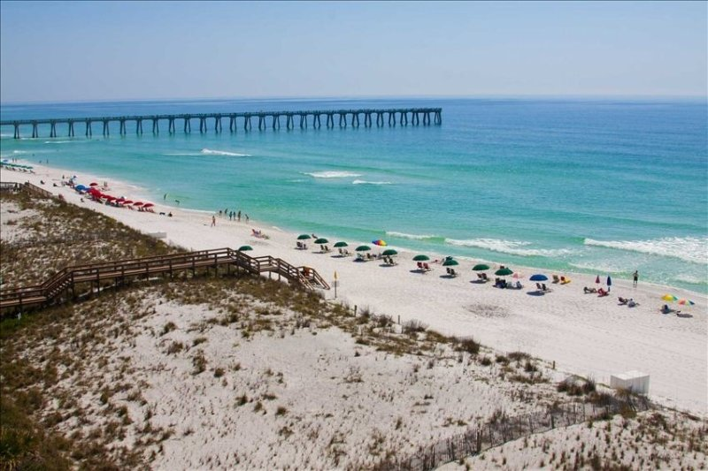 $1,300+ OFF A Stunning Beachfront w/ Spectacular Sweeping views- A 5 STAR CONDO, alquiler de vacaciones en Navarre