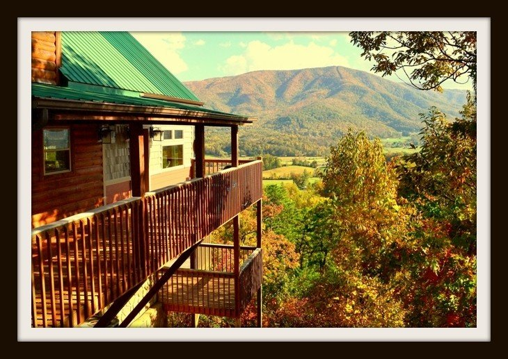 CHERIE'S CHALET Clean, convenient to every thing, Grill, Hot tub and VIEWS!!, vakantiewoning in Sevierville